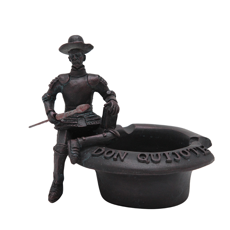 Scrumiera Din Polirasina Neagra Cu Don Quijote