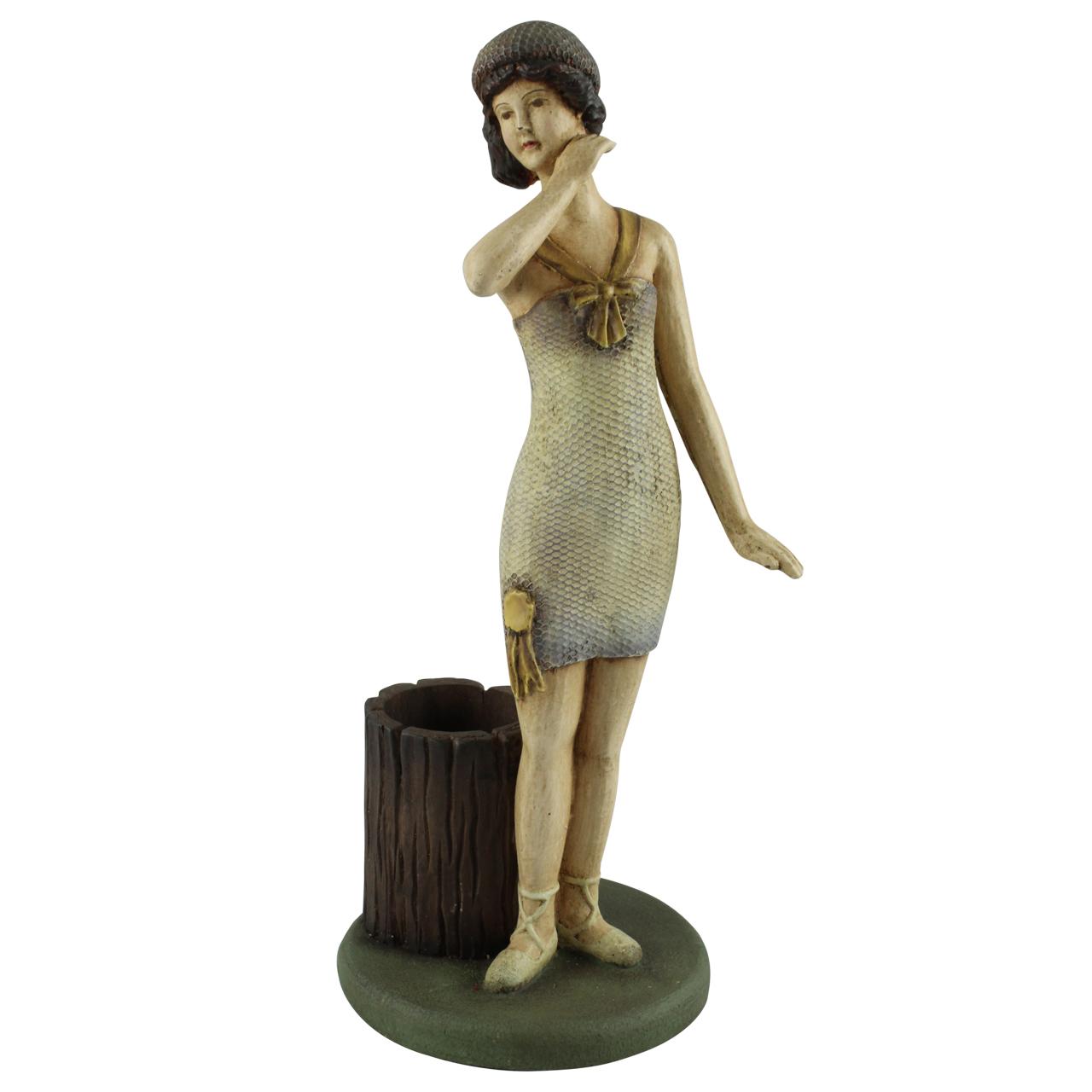 Statueta Madame Din Ceramica Tratata Cu Rasina Bej