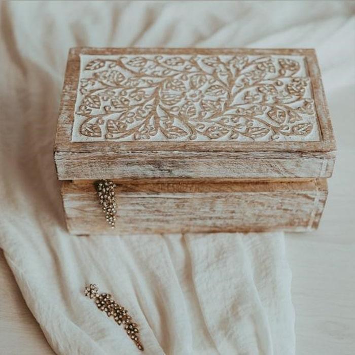 Cutie Delicate din lemn de mango 26x15 cm chicville 2021