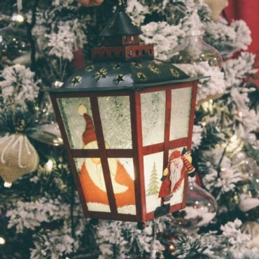 Felinar Santa din metal rosu 18x33 cm