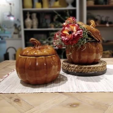 Recipient in forma de dovleac Amber din ceramica maro 20 cm