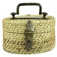 Cutie decorativa ovala din ratan maro cu maner din metal 24x17 cm