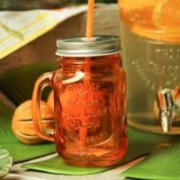 Cana pentru limonada din sticla portocalie