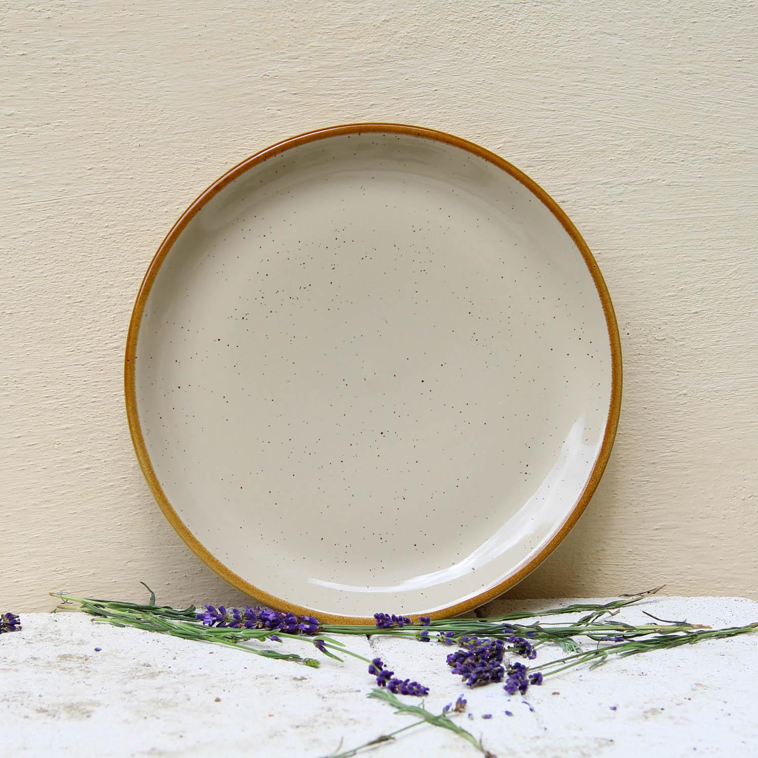 Farfurie intinsa Gardena din ceramica crem 24 cm chicville 2021